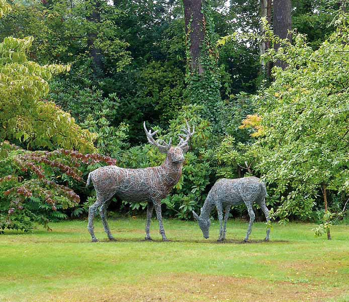 19. Wire Stag and doe in copper and steel permanent installation