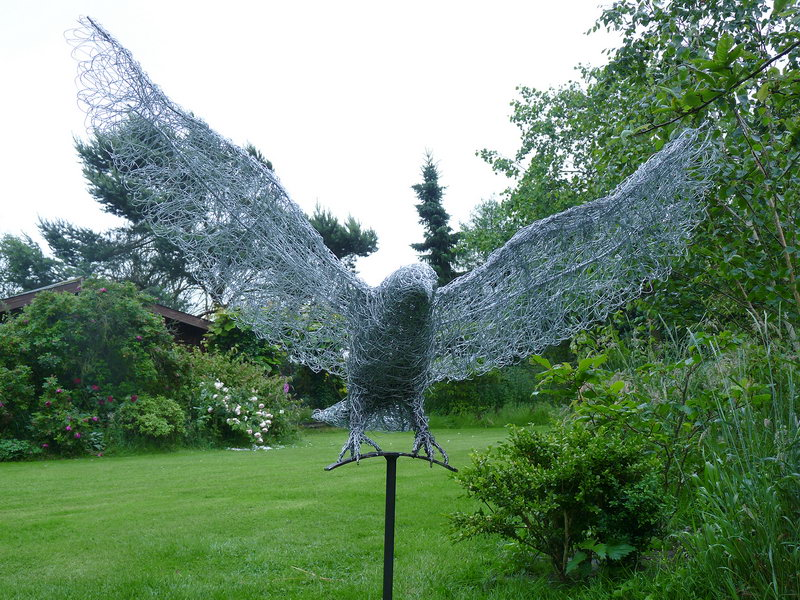 25. Wire eagle between earth and sky, 2014