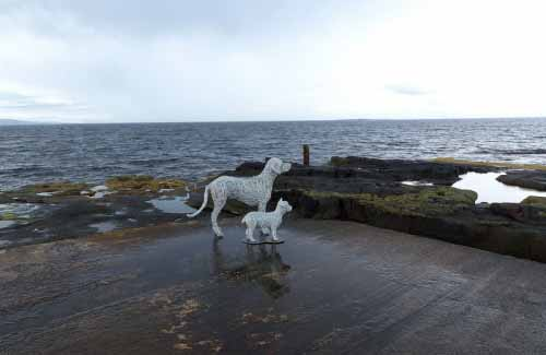 2. Two life-size wire dogs by the sea looking over to Arran 2016