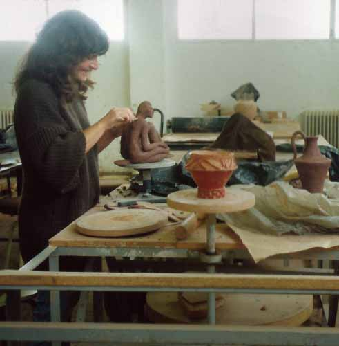 Working in clay, Laura Antebi in the studio. Spain 1992