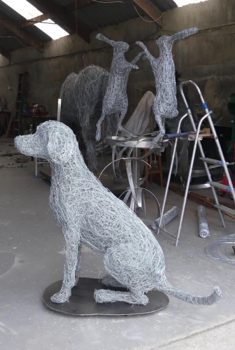 9.Sitting dog wire sculpture available.