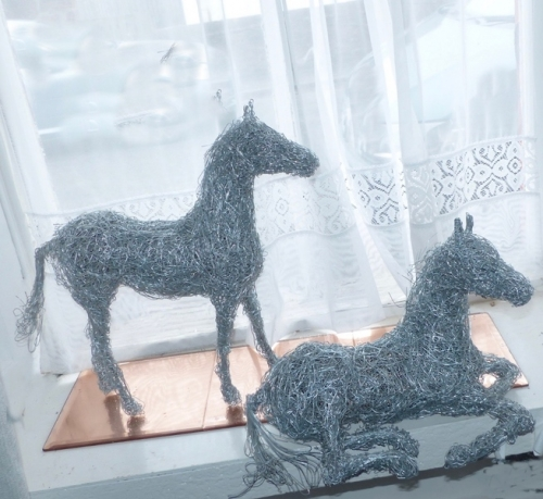 10. Wire horses available , miniature horse sculptures 40cm.